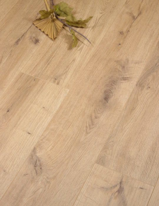 Natural Lausanne Oak by Egger