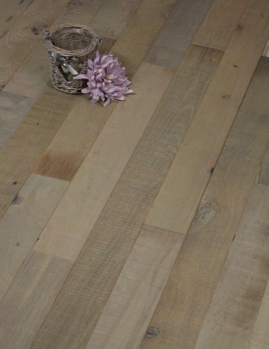 Reclaimed narrow wood floor