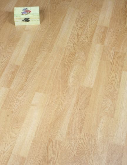 3 Strip Oak Laminate Flooring