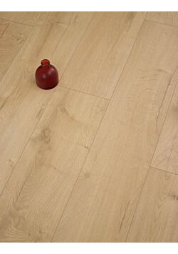Natural Loja Oak Laminate Flooring