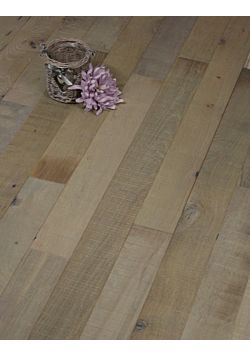 Reclaimed narrow wood floor